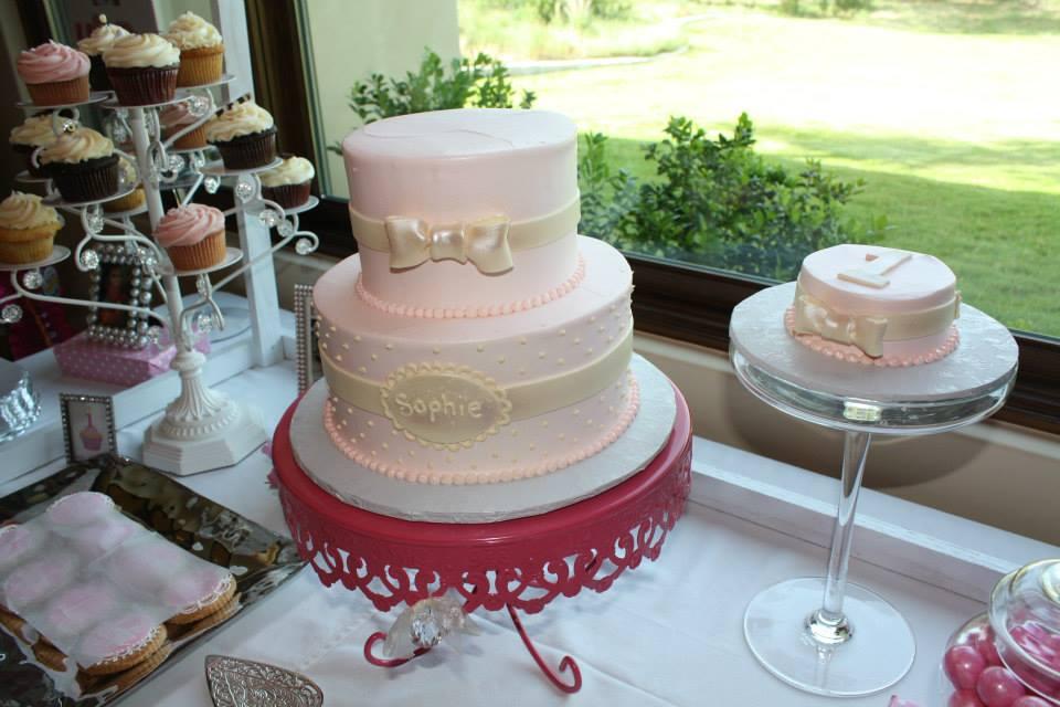 Debi Sementelli, Lettering Art Studio. cake, smash cake, birthday party, pink-themed birthday party