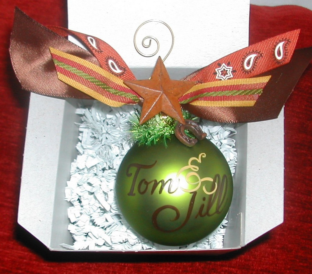 personalized ornament by Debi Sementelli, hand lettering , personalized ornaments, debi sementelli, calligraphy, holiday gifts, holiday ornaments, lettering art studio, christmas ornaments,debi sementelli, lettering art studio,calligraphy fonts, cursive fonts, script fonts, fancy fonts, hand lettered fonts